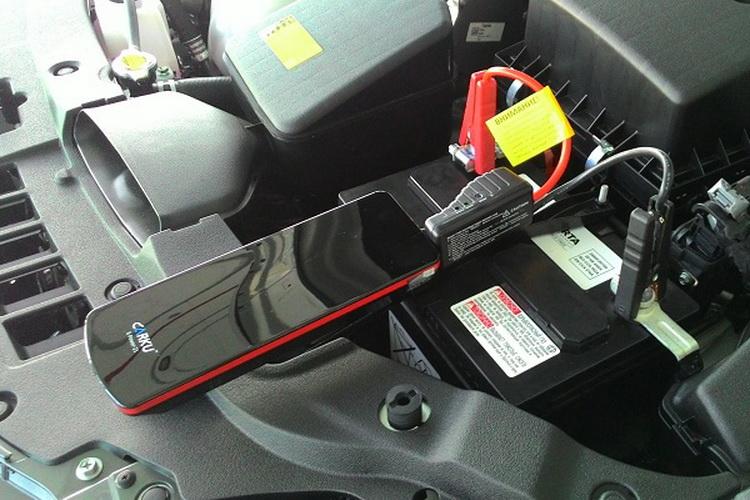Что делать сел аккумулятор на машине