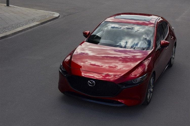 Мазда 3 2019-2020 в новом кузове седан и хэтчбек фото цена и комплектации Mazda 3 4 поколение