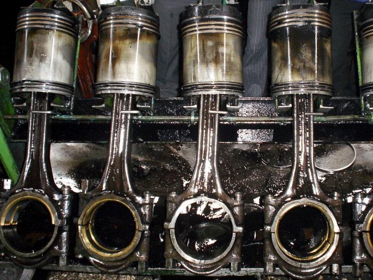 Стартер крутит, но двигатель не заводится: причины и что делать - Quto.ru
