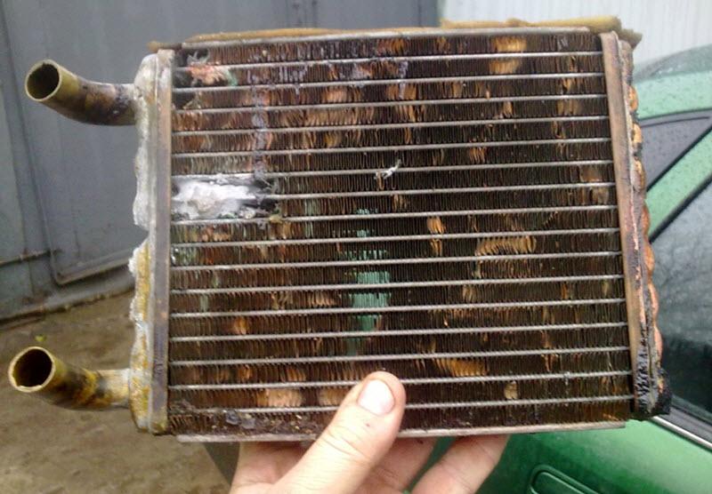 Промывка радиатора печки уксусом