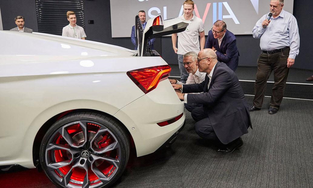 Skoda Slavia Spider— открытый 2-местный спорткар на базе хэтчбека Scala