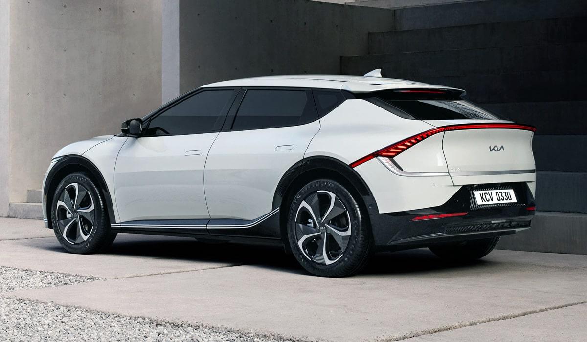 Kia EV6 2022— новый электрический кросс-хэтчбек