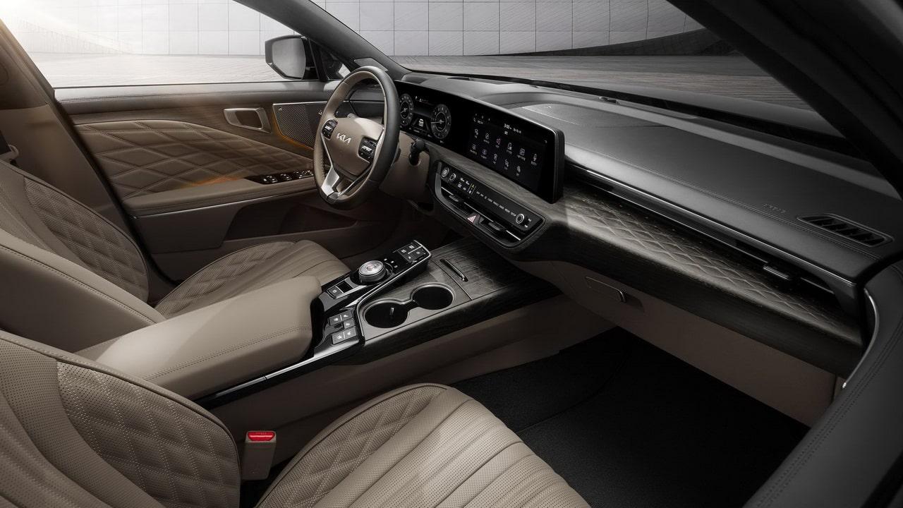 Седан Kia K8 2022— новый салон, продвинутая трансмиссия и система помощи водителю