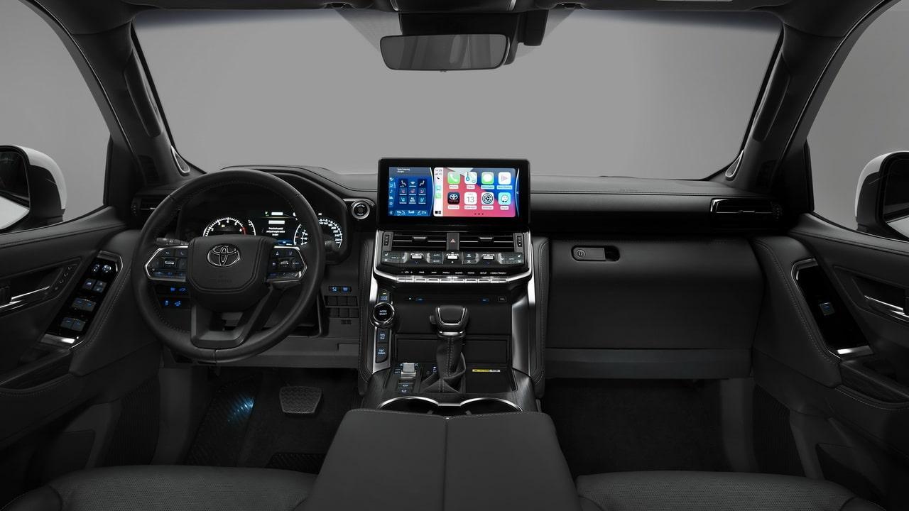Toyota Land Cruiser 300 2021— новый внедорожник с мощными моторами
