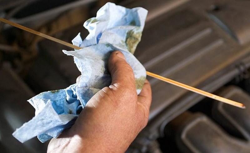 Почему солярка попадает в масло двигателя