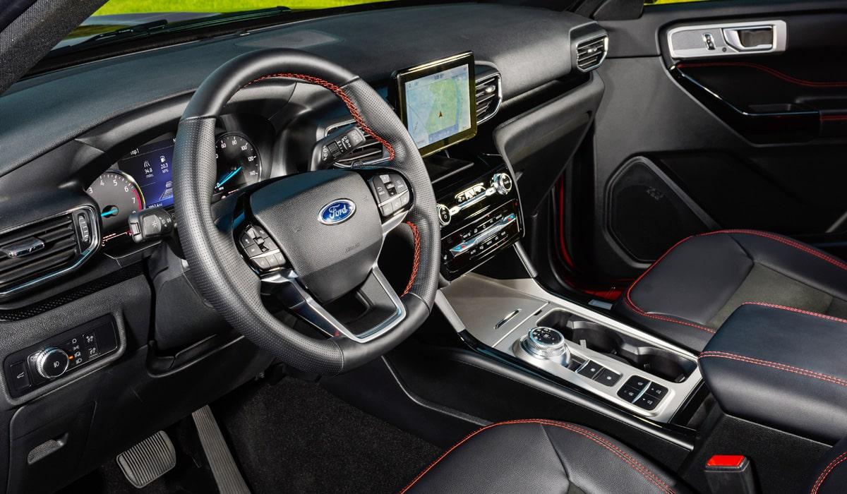 Ford Explorer ST-Line 2022: заряженный кроссовер с задним приводом