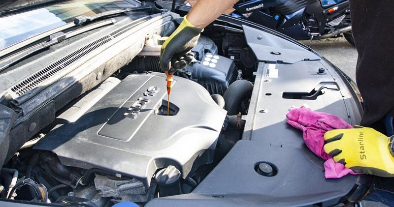 Как откачать масло из двигателя если перелил— 2 способа