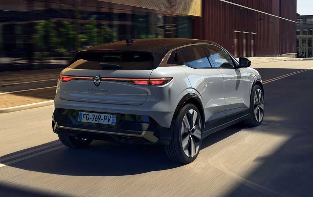 Renault Megane E-Tech Electric 2022— электрический кроссовер с запасом хода почти в 500 км