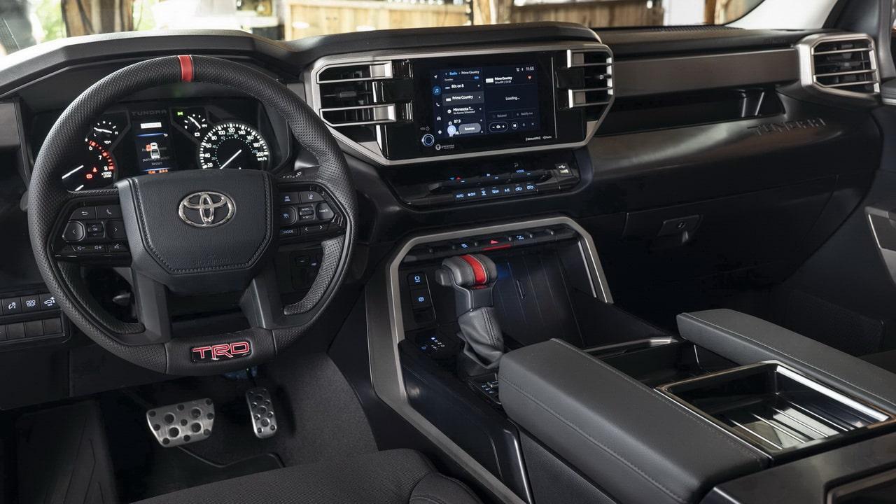 Toyota Tundra 2022— третье поколение пикапа с гибридной системой